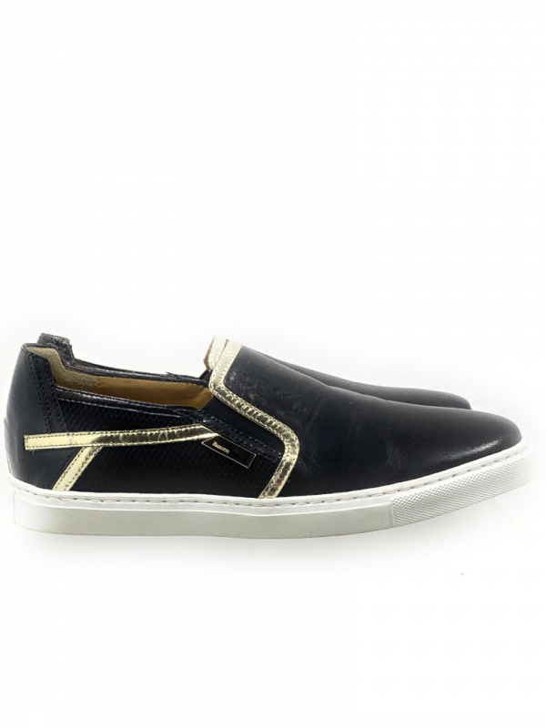 4US Cesare Paciotti Mocassino Donna Nero in Ecopelle Con Rifinuture color oro. Acquistalo su ViaRomaBoutique.it