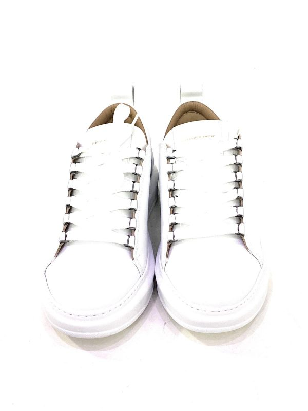 Alexander Smith Sneakers in pelle da uomo Bianca. Chiusura sneakers con lacci. Acquistala su ViaRomaBoutique.it